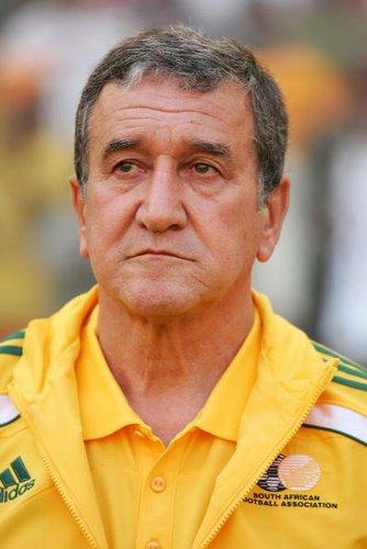 国际足联或处罚南非主帅 炮轰裁判致末轮禁赛