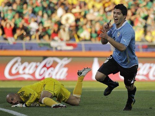 最佳:进球狂人送绝杀 助乌拉圭锁定小组头名