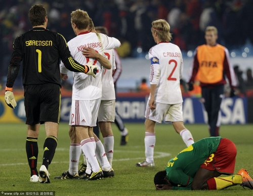 世界杯-丹麦2-1逆转 喀麦隆成第一支出局球队