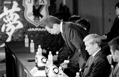 """世界杯出局""""输不起"""" 老马卡佩罗逃避现实"""