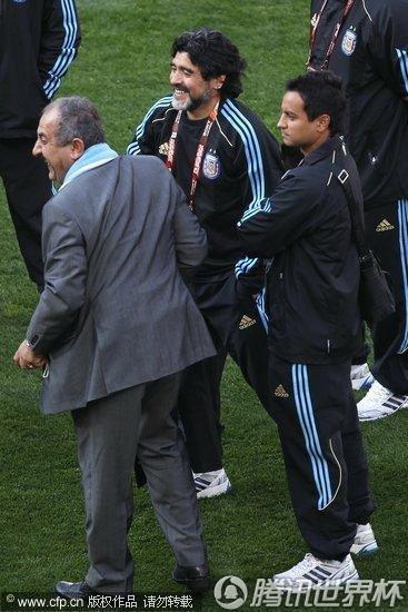 2010世界杯B组:阿根廷Vs尼日利亚 马大帅信心满满剑指第一
