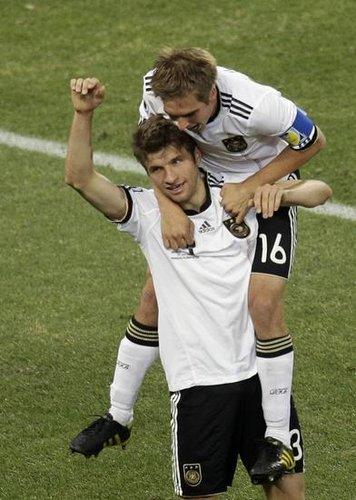 鲁梅尼格:德国夺冠有望 拜仁将严防球星流失