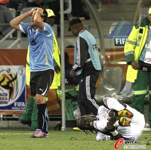 图文:A组法国0-0乌拉圭  红牌事件两位主角