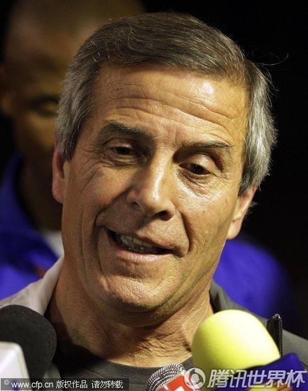 2010世界杯3、4名决赛前瞻:乌拉圭举行发布会 苏亚雷斯成焦点