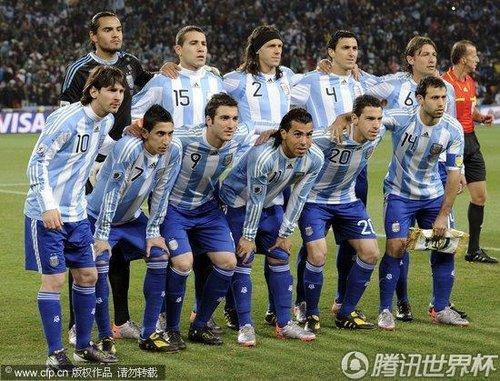 图文:阿根廷vs墨西哥 阿根廷首发阵容_2010南