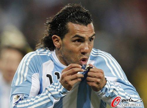 最佳:特维斯重炮轰门 梅开二度助阿根廷完胜