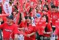 图文:阿根廷4-1韩国 首尔球迷倾城出动(329)