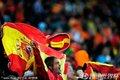 图文:荷兰0-1西班牙 西班牙球迷高举国旗