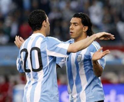 热身赛-阿根廷5-0胜 野兽阿奎罗建功梅西缺阵