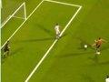 第118球:荷兰快发任意球 斯内德穿裆射空门