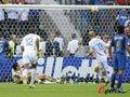 06世界杯进球FLASH:齐达内勺子点球法国领先