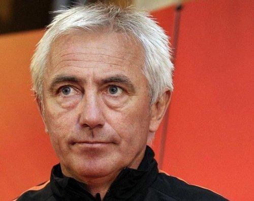 荷兰主帅:西班牙世界最强 决赛期待一人发威