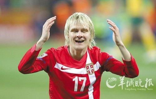 塞尔维亚差一个点球就晋级? 裁判判罚惹争议