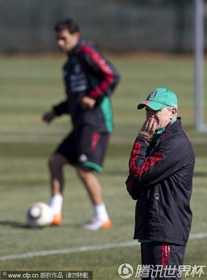 2010世界杯A组末轮前瞻:墨西哥训练备战 出线形势一片大好