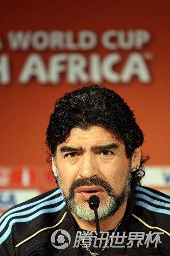 阿根廷主教练马拉多纳