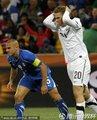 图文:意大利1-1新西兰 卡纳瓦罗痛苦表情