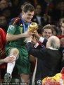 西班牙队获得冠军(8)
