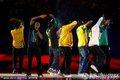 南非歌手唱响闭幕式