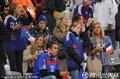 图文:法国0-0乌拉圭 法国太太团集体亮相(4)