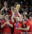 西班牙队获得冠军(4)