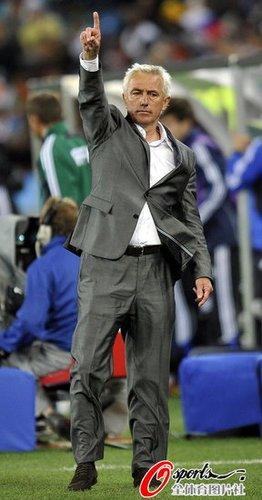 荷兰主帅不屑巴西宿命论:他们先赢智利再说