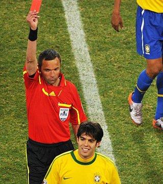 卡卡拒为红牌认错 回老马嘲讽:他没资格批评