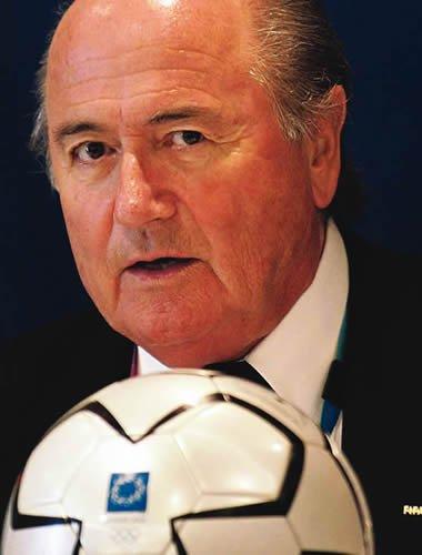 FIFA主席布拉特力挺韦伯:误判也是足球的美