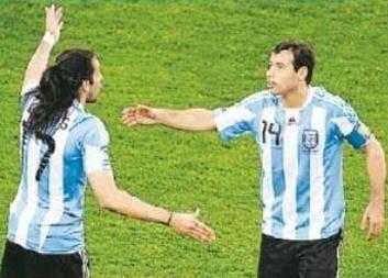 阿根廷首胜存重大问题 马队与老马爱将闹矛盾