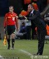 图文:日本1-0喀麦隆 喀麦隆主帅保罗-勒古恩