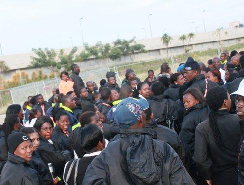德班罢工者口风突变 华侨揭南非治安问题根源