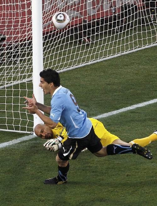 乌拉圭如愿避开阿根廷 荷甲妖人一击终于爆发