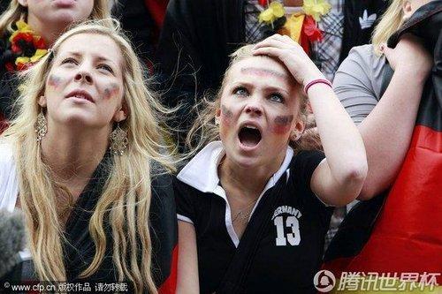 图文:世界杯女球迷的笑与泪(30)