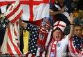 图文:英格兰1-1美国 贝帅里奥现身替补席(68)