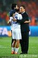 教练拥抱李荣杓