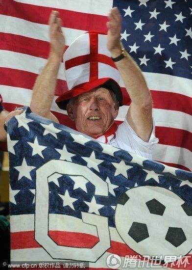 2010世界杯C组:英格兰Vs美国 贝帅、里奥现身替补席