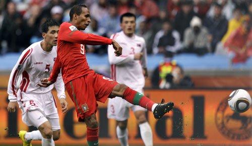图文:葡萄牙VS朝鲜 利德松替补上场破门