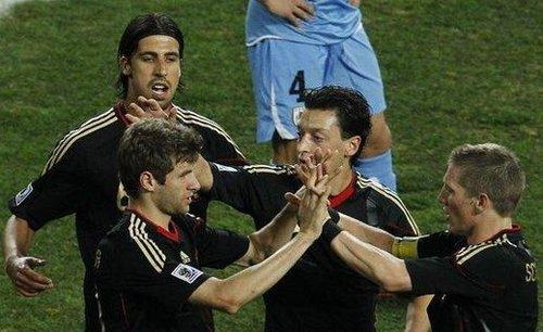 德国:配合流畅反击犀利 小将完美7进球8助攻