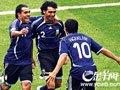 06世界杯进球FLASH:阿亚拉头球助阿根廷领先