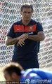 图文:葡萄牙队训练备战 队内气氛轻松(3)