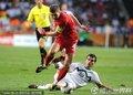 图文:英格兰1-0斯洛文尼亚 杰拉德摆脱防守