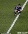 图文:墨西哥2-0法国 瓦尔布埃纳蹲下思考