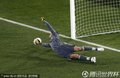 图文:墨西哥2-0法国 洛里斯扑救