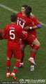 图文:葡萄牙7-0朝鲜 韦洛索拥抱C罗