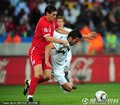 图文:英格兰1-0斯洛文尼亚 巴里放倒对手