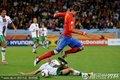 图文:西班牙1-0葡萄牙 托雷斯带球过人