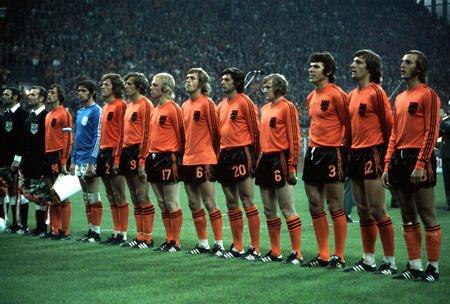 巴西荷兰世界杯交锋回顾 两场经典战记忆犹新