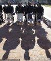 南非警察全副武装