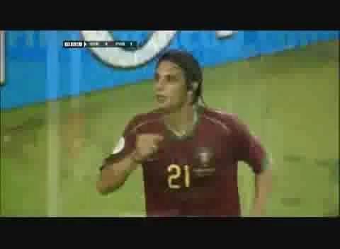 视频:06世界杯精彩进球 菲戈助戈麦斯腾飞