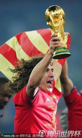 南非 约翰内斯堡,2010 世界杯 决赛,西班牙1-0荷兰,首次捧起大力神杯