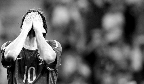东方体育日报:2014巴西,还会等来卡卡吗?